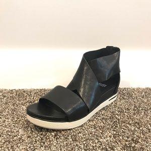 Brand new Eileen Fisher Sport Sandal